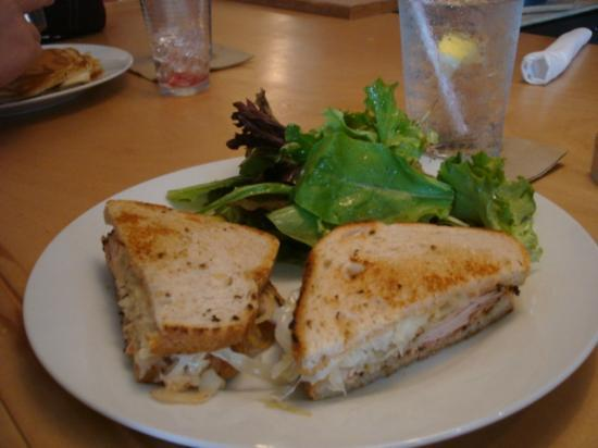 Toad Hollow Cafe: Reuben Sandwich