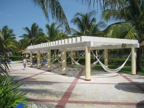 Grand Bahia Principe Coba : Hammocks!  Lovely to look at - rarely used - would be better used as a semi shade with more chai