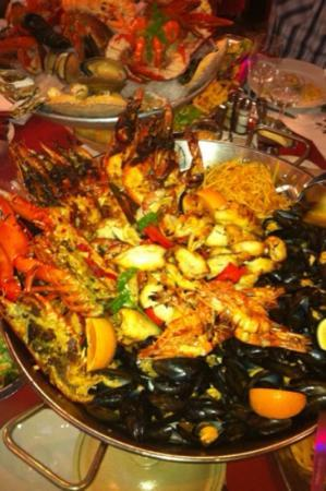 Orgeval, France : fruits de mer cuisines