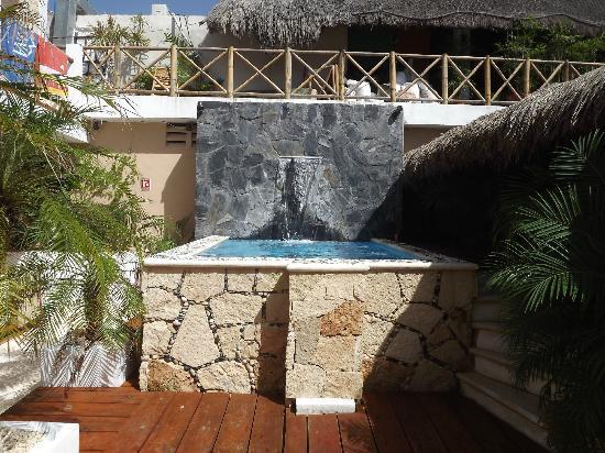 Maya Bric Hotel: jacuzzi