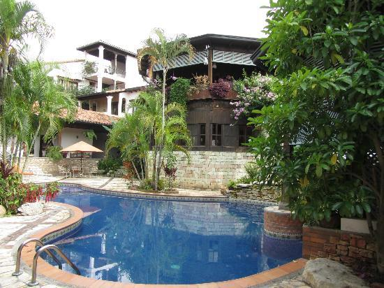 Hotel Marina Copan: Pool area