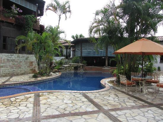 Hotel Marina Copan: Pool, swim up bar