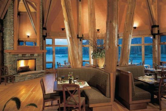 Natural Retreats South Fork Lodge: Dining