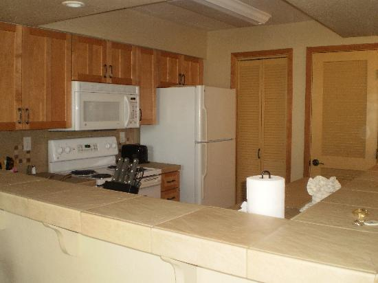 Kingsbury of Tahoe: Kitchen