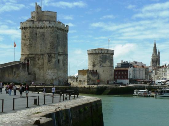 vieux port la rochelle photo de ibis la rochelle centre historique hotel la rochelle. Black Bedroom Furniture Sets. Home Design Ideas