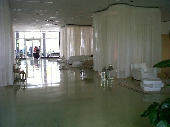 Shore Club South Beach Hotel: Recepcion