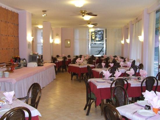 Hotel Manzoni: cena in rosa