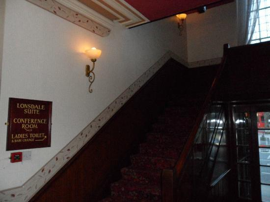 Royal Station Hotel: stair way