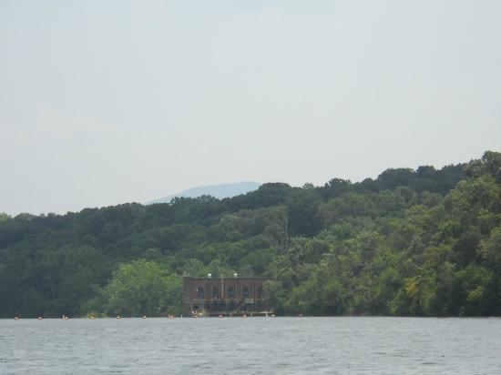 Piney Hill Bed & Breakfast: Shenandoah River Fishing Trip
