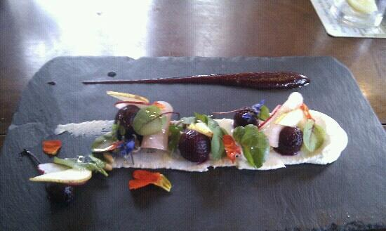 The Wheelwright Inn: goats cheese starter!