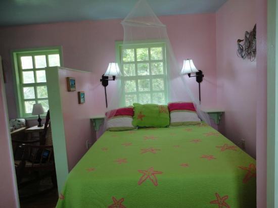 Guanaja Caribbean Cottages Resort