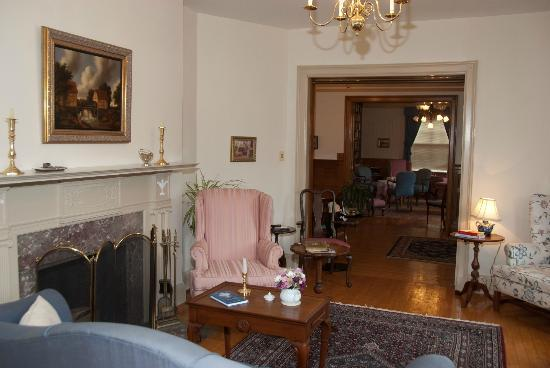 Governor's House in Hyde Park: The Parlor