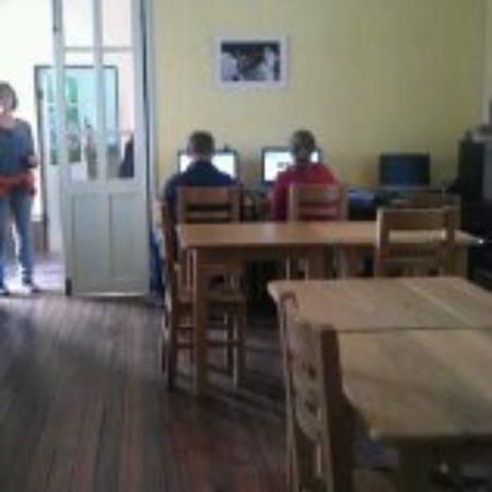 Casa Verde B&B: ordenadores / comedor