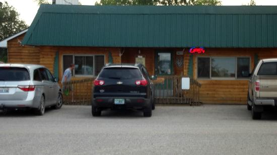 Goetzville, MI: front entrance to a relaxing meal