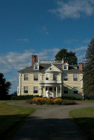 Governor's House in Hyde Park: view of Governor's House from Main Street