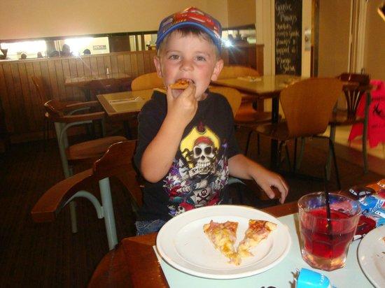 Australian Pizza Kitchen:                   Mitch @ apk canberra city