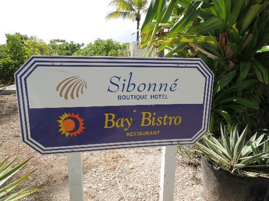 Sibonne Beach Hotel: With a top notch restaurant - dine on the stages