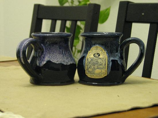 Beazley House: You can buy cool souvenir mugs