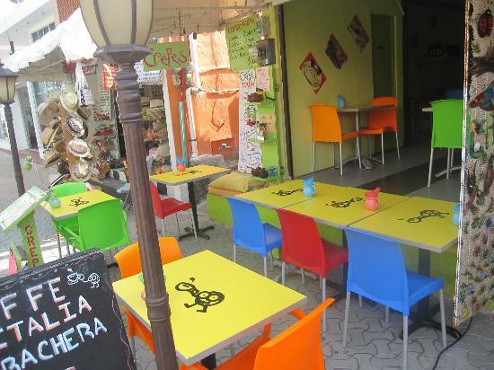 Caffe Italia: Caffé Italia fuori dopo la rimodellazzione