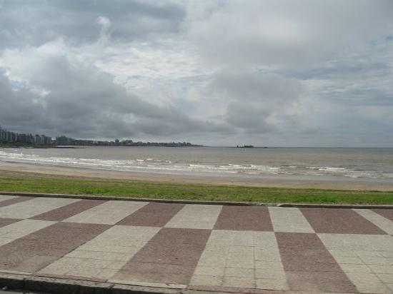 Rambla de Montevideo: Vista hacia el mar.