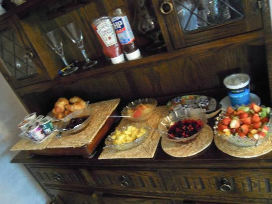 Hill Crest Country Guest House: Fresh Fruit
