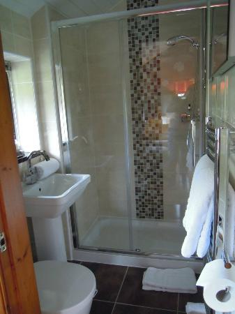 Hill Crest Country Guest House: Bathroom