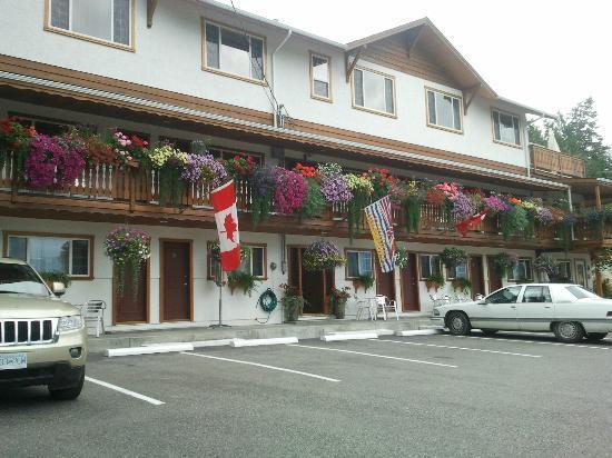 Gateway Motel: Hotel Exterior