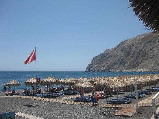 Makris Hotel: Beach outside the hotel