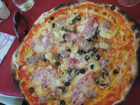 Acquolina In Bocca : Very tasty pizza