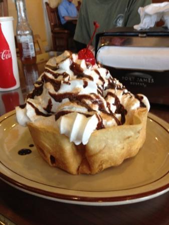 Guadalajara Grill: massive fried ice cream