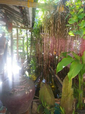 Bulskamp Inn: fish pond with koi's