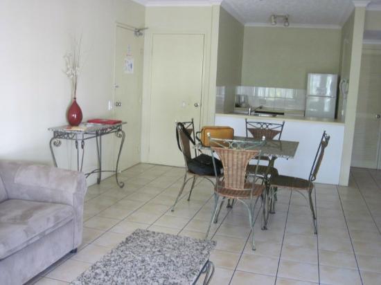 Cairns Beach Resort: Lounge area