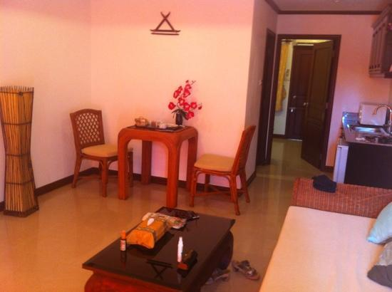 Lamai Beach Residence: ruime kamer met aparte slaapkamer