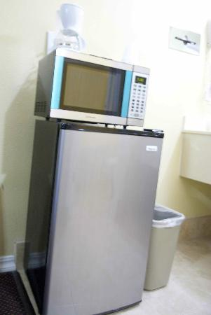 Rodeway Inn Medford: New Refrigerators and microwaves