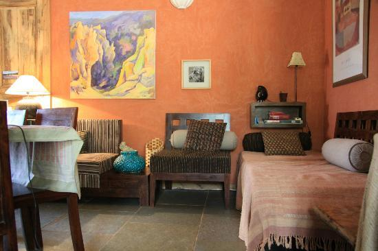 Les Coustetes: Living room