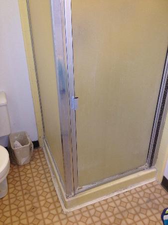 Rio Sands Lodge : shower