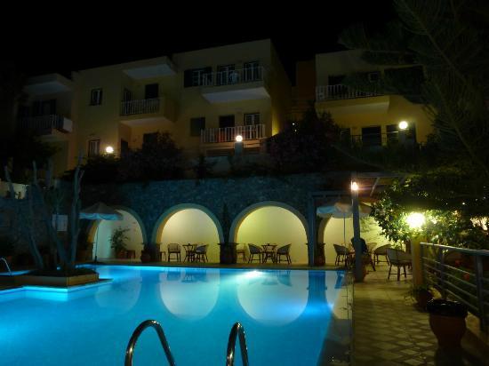 Aphea Village: The swimming pool 