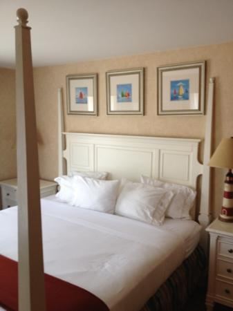 Holiday Inn Express Branford/New Haven: 4 poster bed