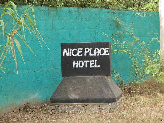 Nice Place Bungalows: Entry Sign