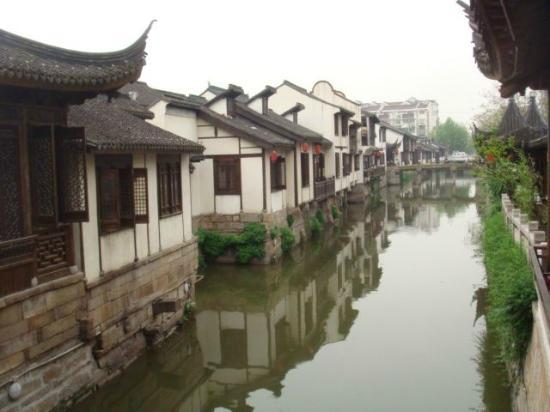 Nanxiang Old Street: View from a bridge