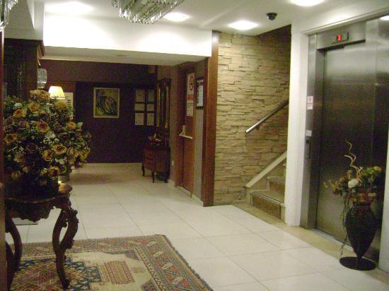 Hotel Mina: the lobby