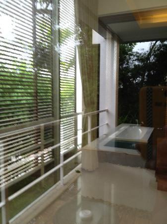 The Quarter Resort Phuket: Luxury Pool Suite - Master bedroom