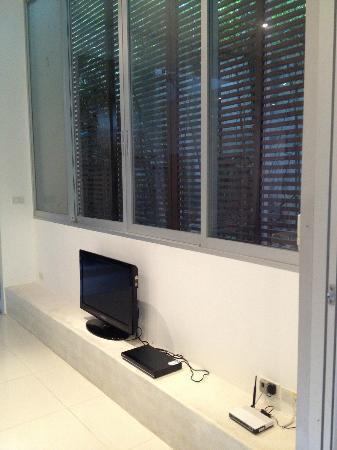 The Quarter Resort Phuket: Luxury Pool Suite - TV
