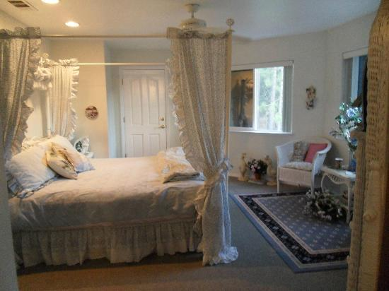 Yosemite's Ravensbrook Bed & Breakfast: a room in Ravensbrook B&B