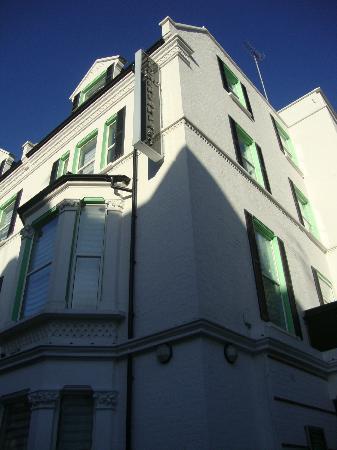 Kensington West Hotel: Hotel