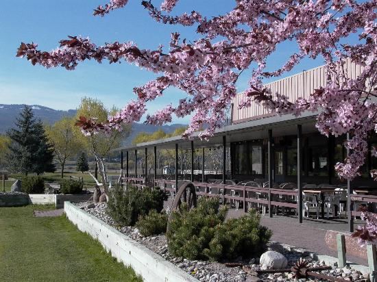 Michaelbrook Ranch Golf Course: Kelowna Clubhouse at Michaelbrook