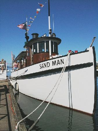 "The tugboat ""Sandman"" at Percival Landing."