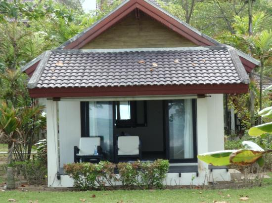 Nang Thong Bay Resort : Beachfront Bungalow