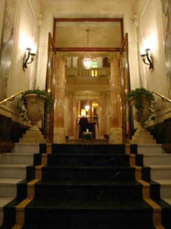 Hotel Beau-Rivage Geneva: エリザベートを偲ぶ