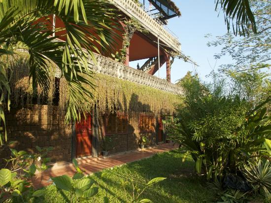 Angkor Spirit Palace: ground floor poolside rooms